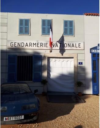 Décor façade gendarmerie...